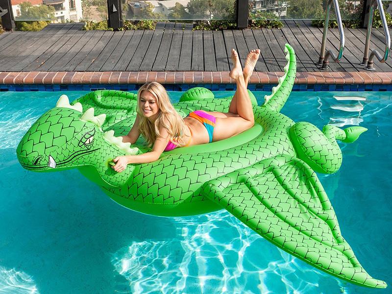 Dragon Pool Lounge