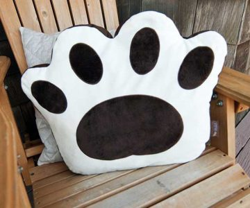 Big Foot Pet Pillow Bed