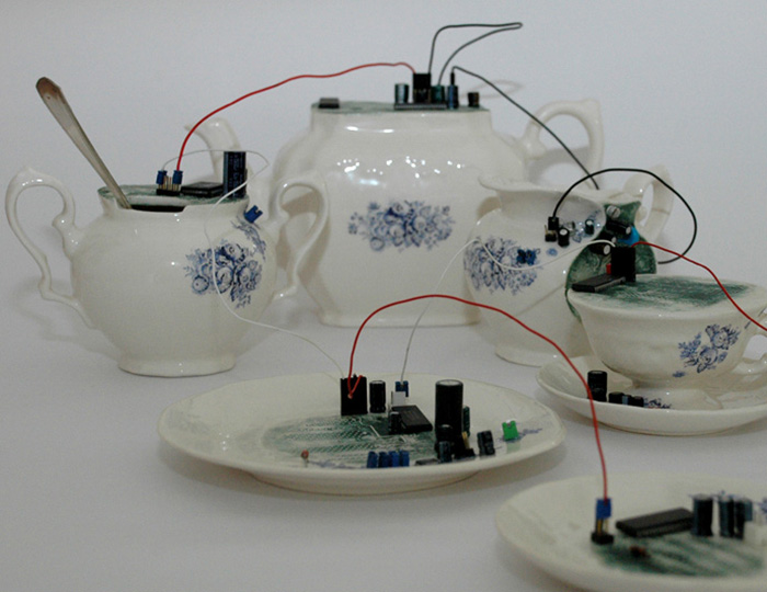 Electric Circuit Creepy Tableware