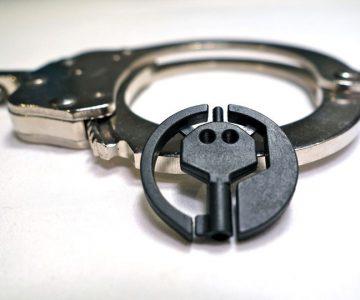 Emergency Universal Handcuff Key