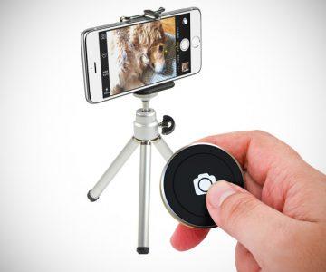 Bluetooth Shutter Button for Smartphones