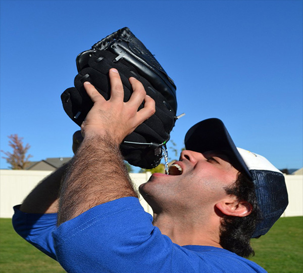 Baseball Glask Glove Flask