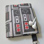 NES Smartphone Wallet Case