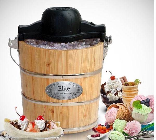Old-Fashioned Bucket Ice Cream Maker