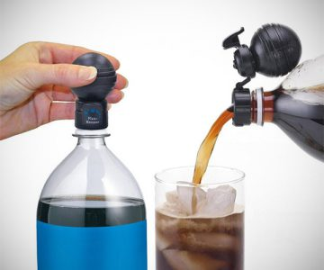 Soda Bottle Fresh Fizz Keeper Pump & Pour