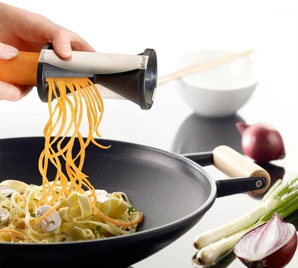 Vegetable and Fruit Spiral Slicer