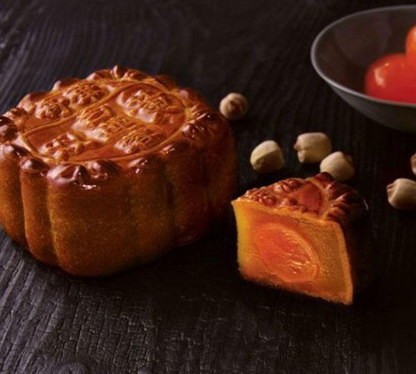 Mini Lotus Seed Paste Moon Cakes with Yolk