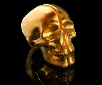Yorick Ceramic Gold Skull Lamp