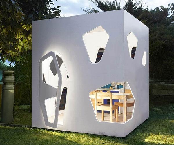 Japanese Kyoto Outhouse Playhouse