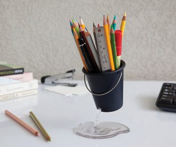 Pen & Pencil Holder Floating Desk Bucket Organizer