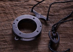 Mantis Vicious Circle Knife Necklace