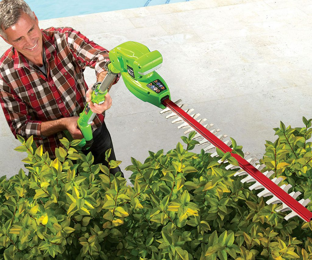 Cordless Telescoping Hedge Trimmer