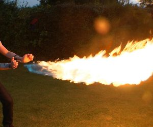 PYRO Mini Fireshooter