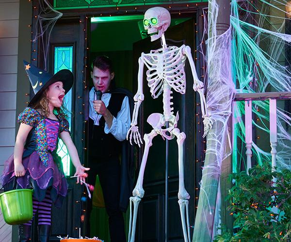 5ft Tall Animatronic Skeleton