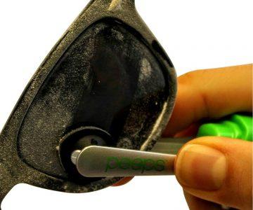 Peeps Eyeglass Cleaner - No Cloths, Wipes, Sprays, Alcohol, No Mess!