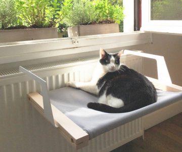 Woozy Pet Hammock For Cats & Dogs