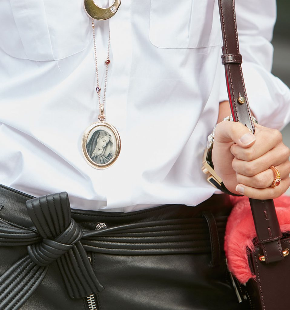 Locket Necklace Trends for the Fashion Girl