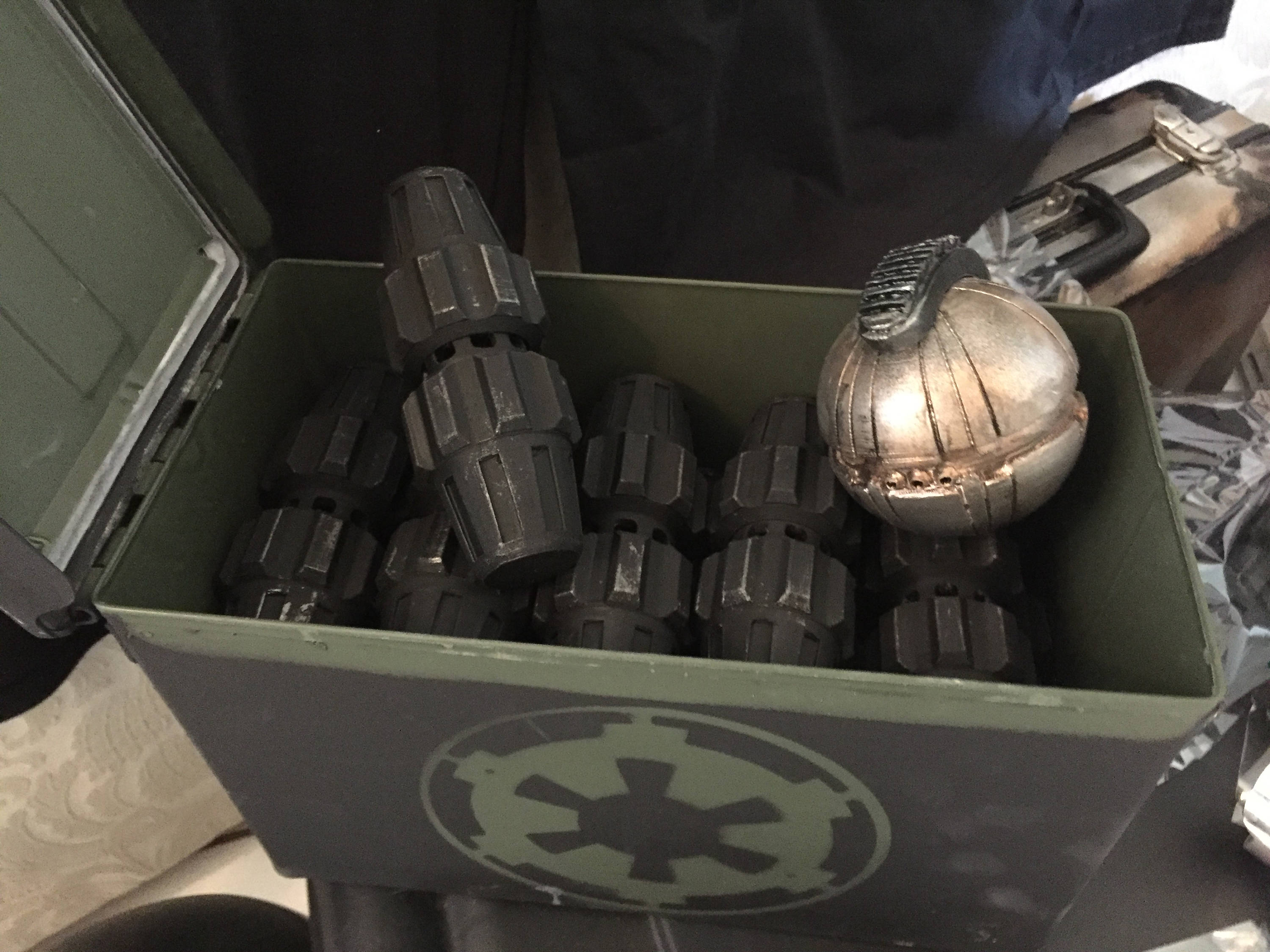 Star Wars Rogue One Flashing LED Fragmentation Grenade Replica